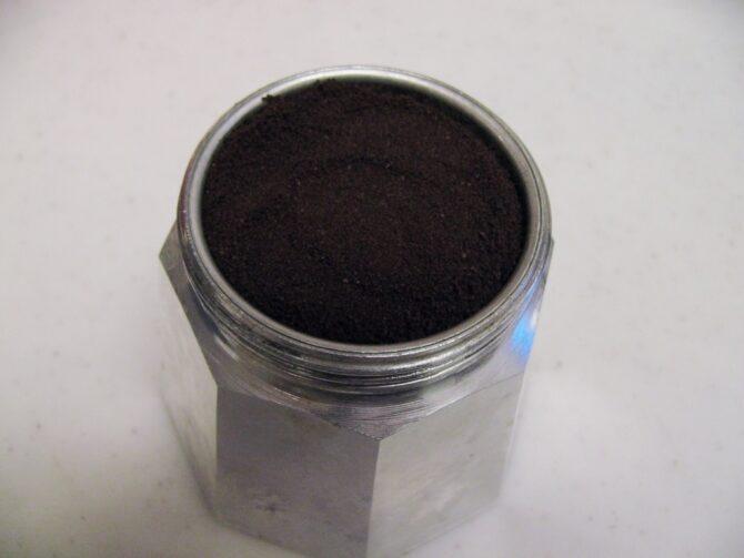 コーヒー粉を入れる