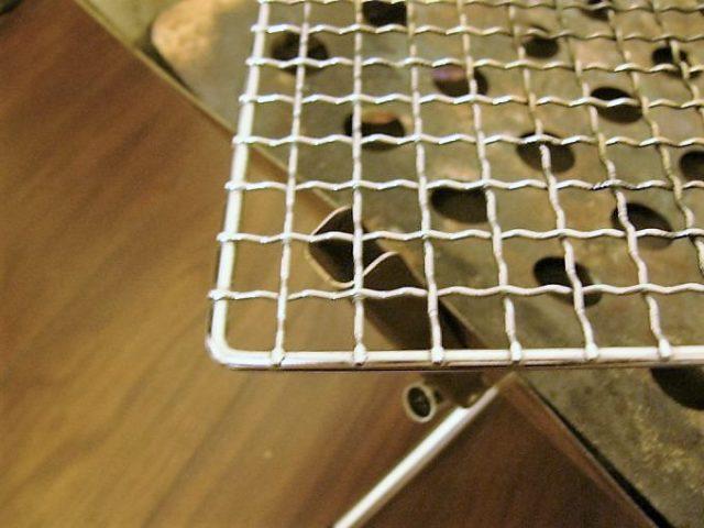 ファイアグリルの焼き網のアップ