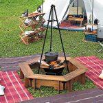 白いテント前のヘキサテーブル