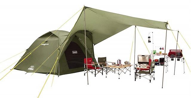 タフワイドドームIV300ヘキサタープセット(オリーブ)でキャンプをしている