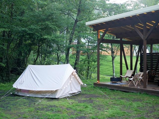 テントサイトにユドゥンを設営