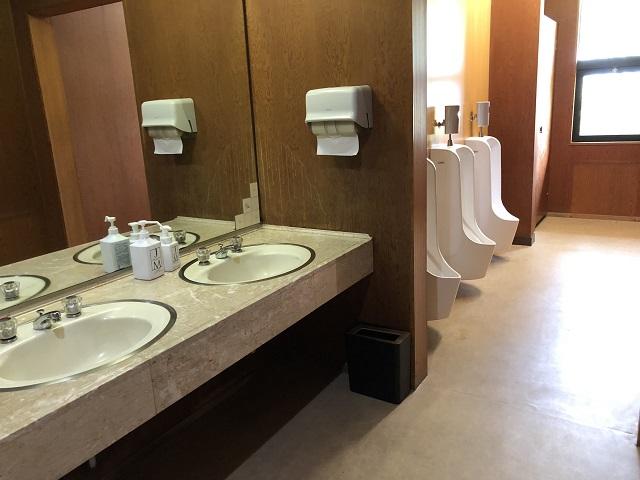 センターハウス内トイレの中