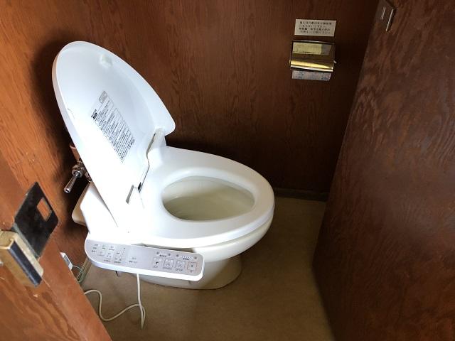 センターハウス内洋式トイレ