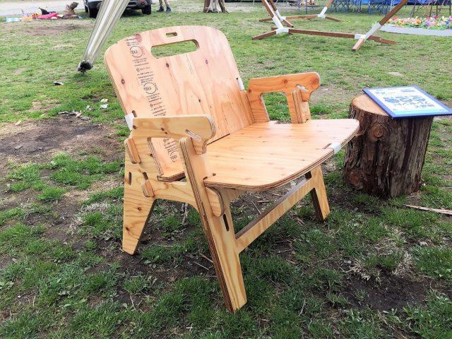 YOKAの木製チェア