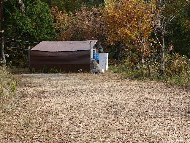 テントサイトの小屋