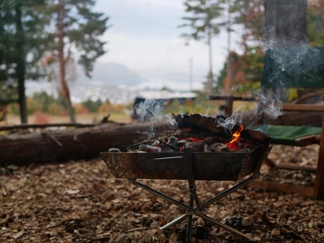 朝の焚き火