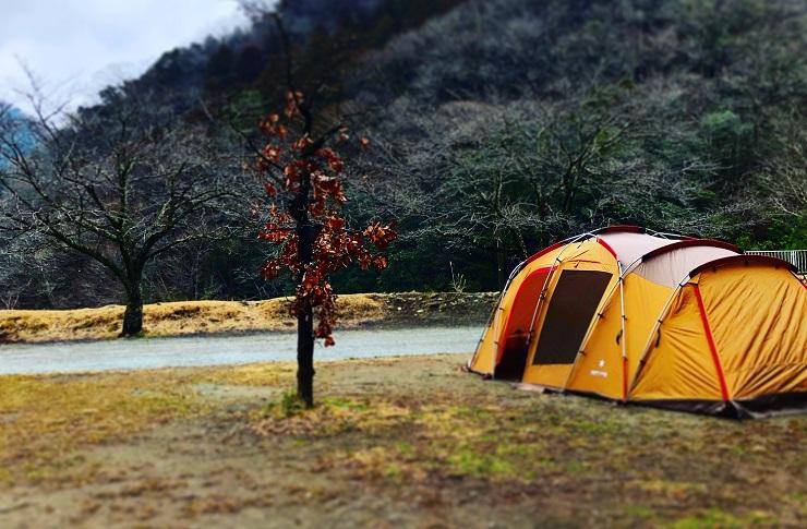 青根キャンプ場テントの写真