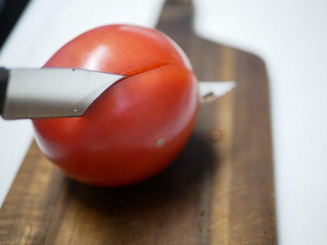 トマト入刀