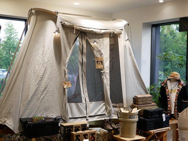 カーカムスのテント