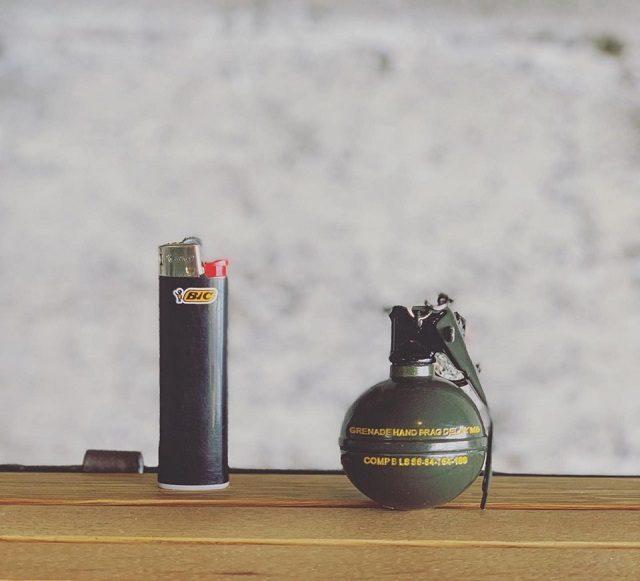 手榴弾型のキーホルダー