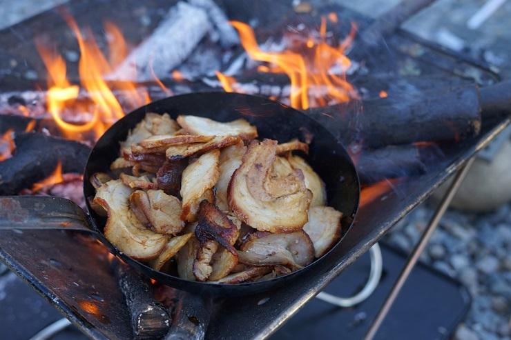 焚き火調理台
