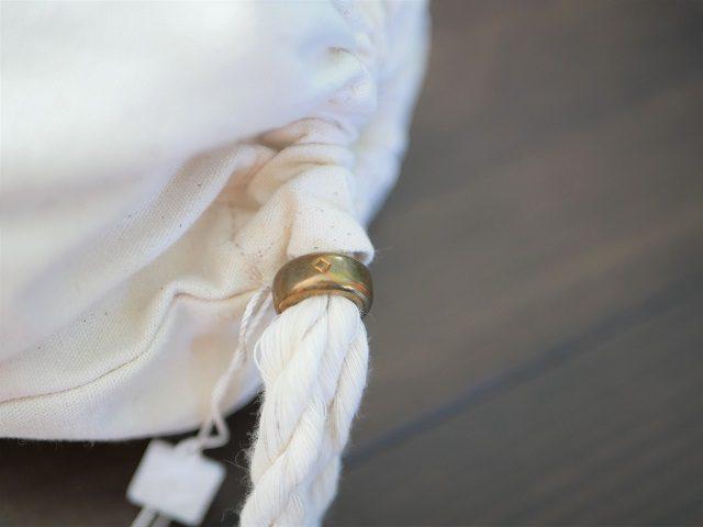 巾着袋の留め具