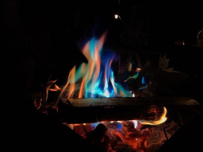 レインボーの炎