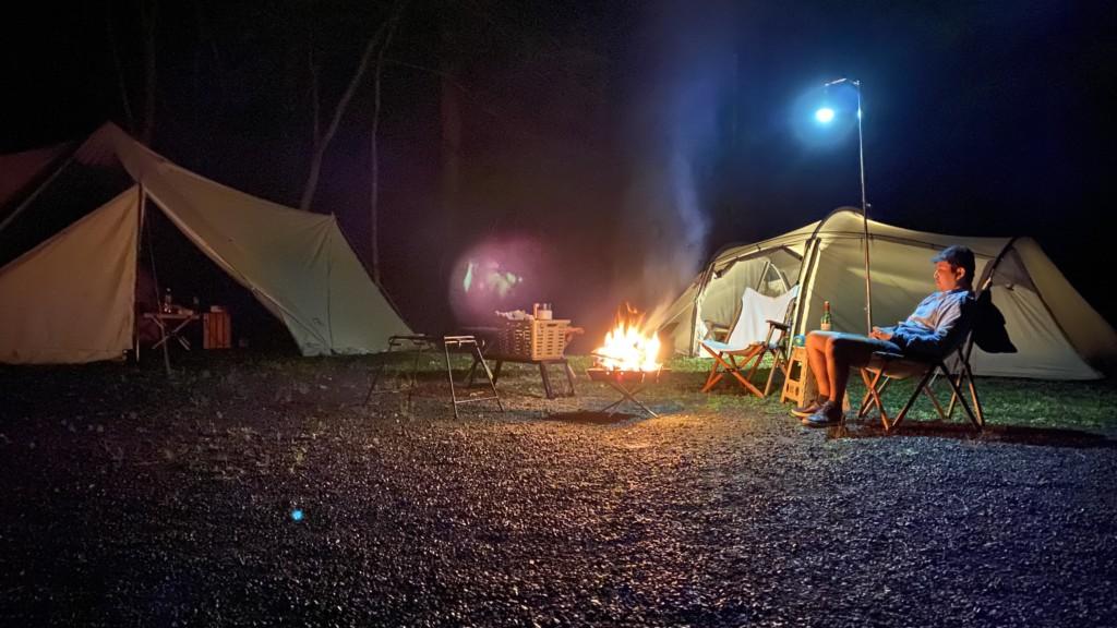 久々のキャンプ夜の様子