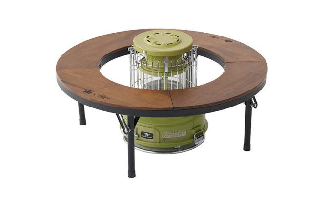 ストーブとテーブル