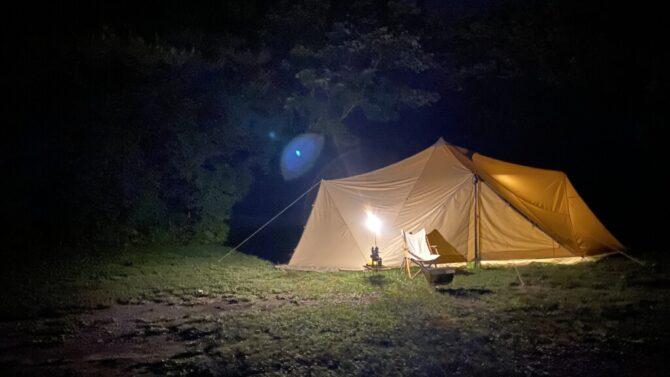 キャンプ場で