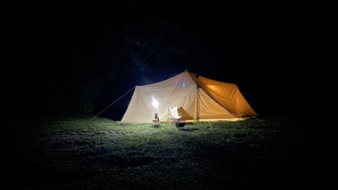 白色テント