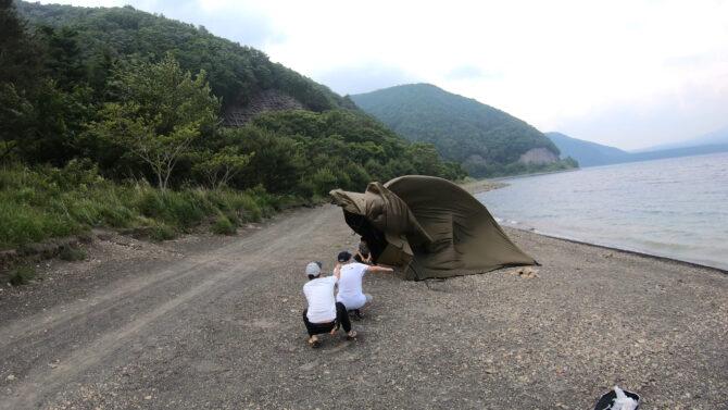 テントが飛ばされる
